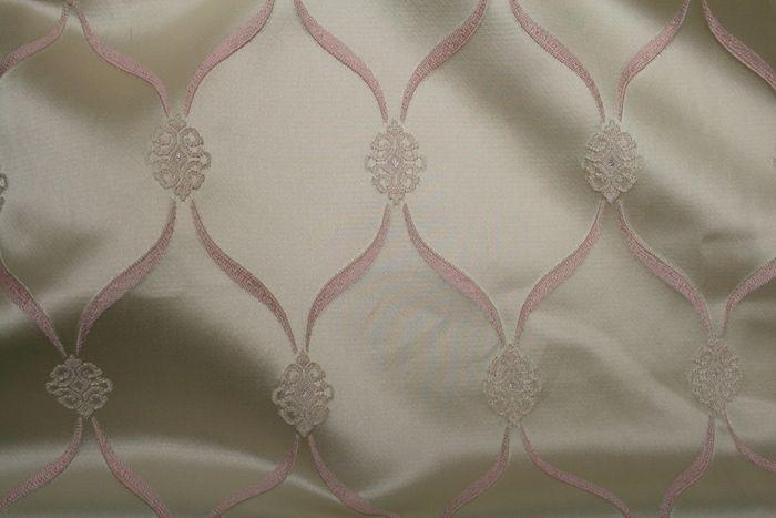 LODI / BLUSH / 99% Polyester 1% Lurex
