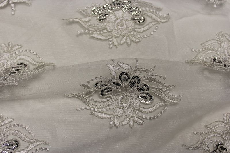 ROUNDAROSE / IVORY / 100% Polyester
