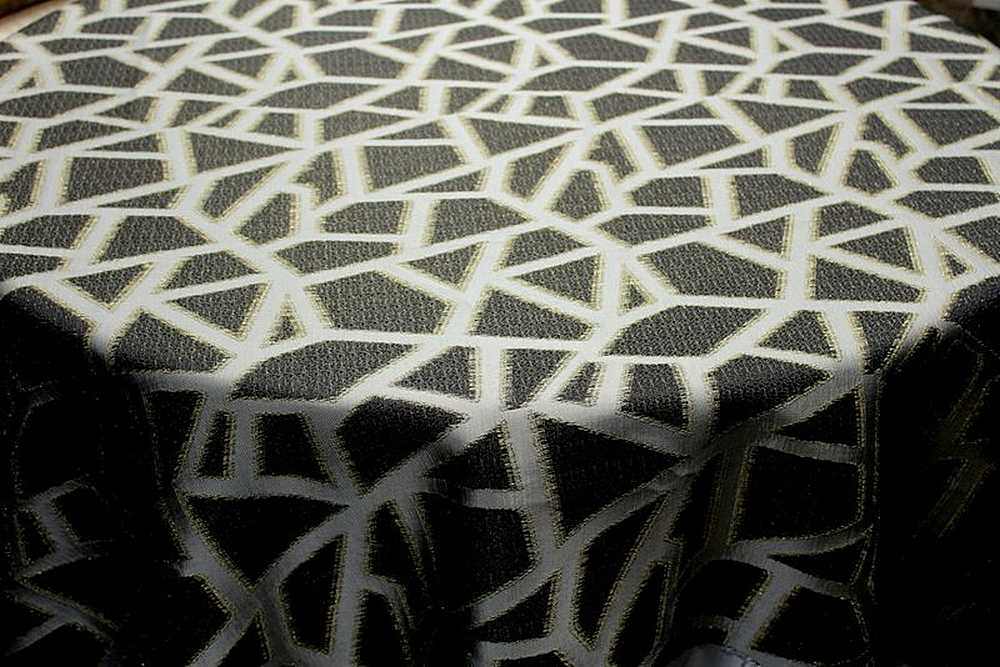 TRIANGLE / MIDNIGHT-501 / 100% Polyester